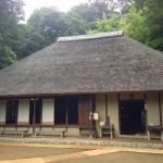 岡本民家園の藁ぶき屋根
