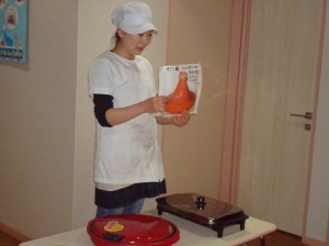焼けるまでモロッコ料理の勉強です